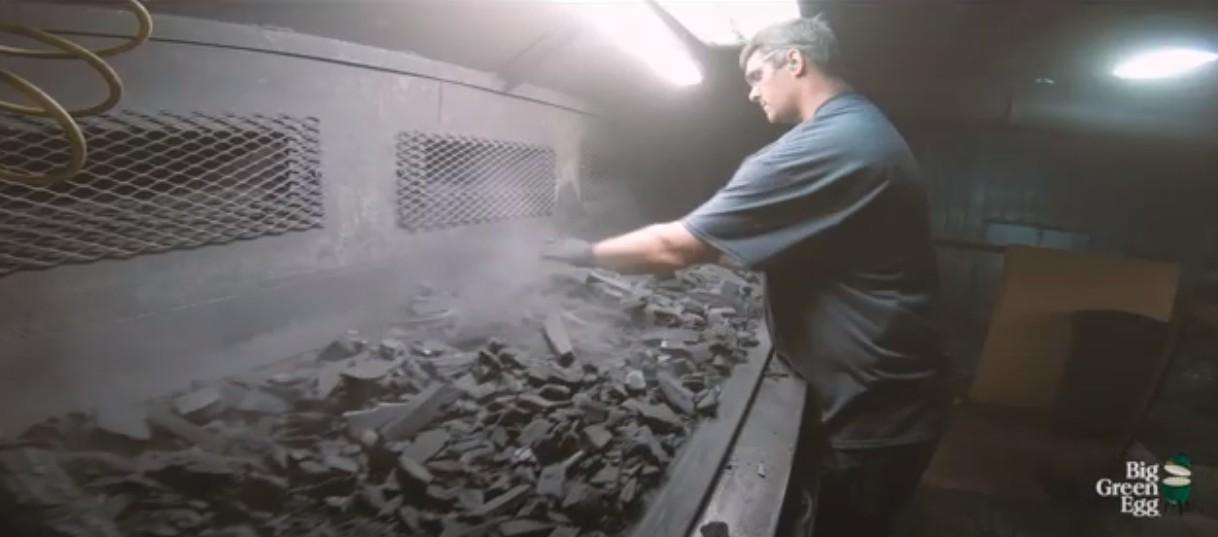 Производство древесного угля для гриля и барбекю