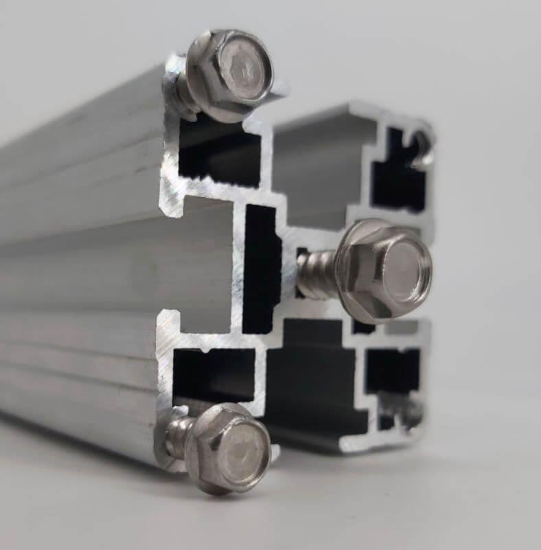 Использование саморезов с торца профиля КАП (конструкционный алюминиевый профиль)